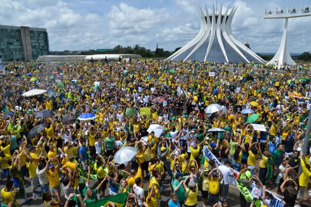 Protestos_de_15_de_março_de_2015_em_Brasília