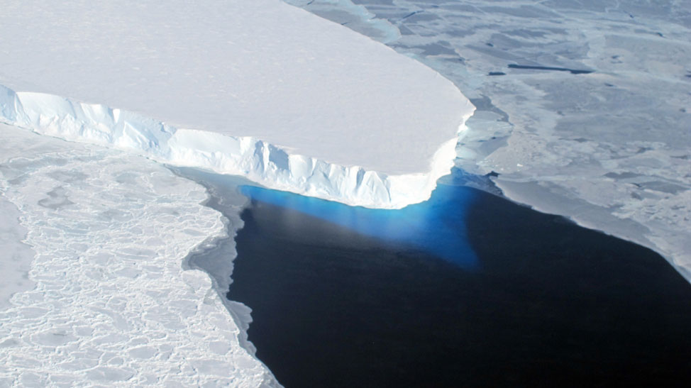 Bleak Views of Melting Antarctic Ice, From Above and Below 2